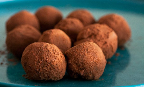 How to Make Homemade Chocolate Truffles