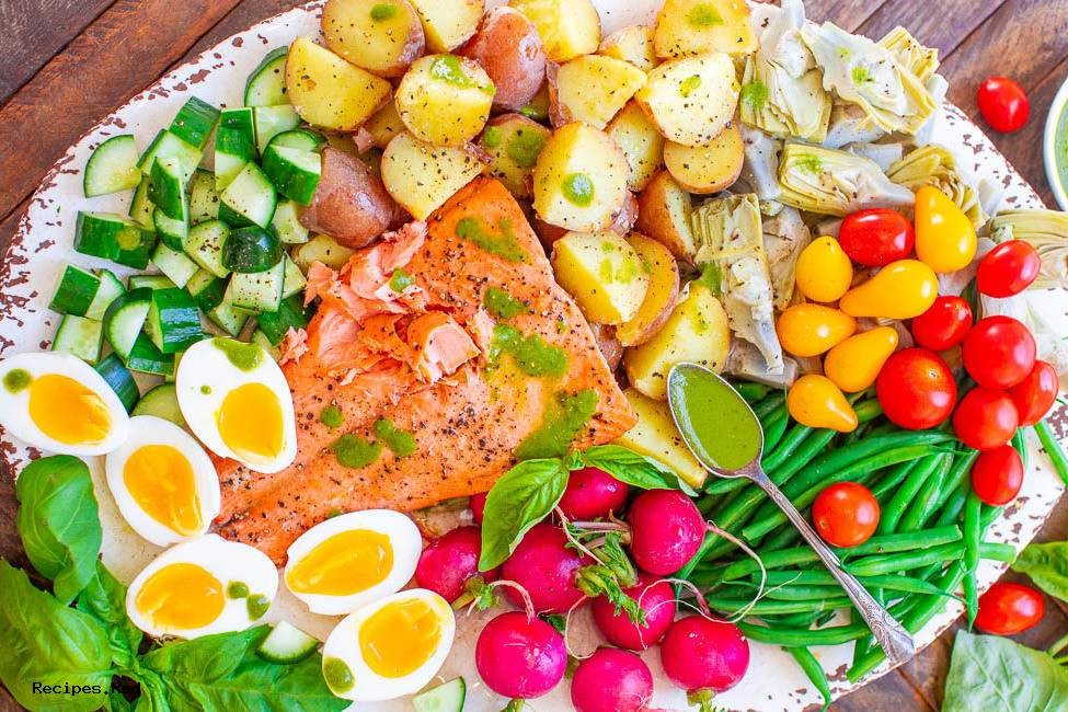 Salmon Niçoise Salad with Basil Vinaigrette